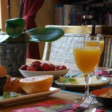 Petit Déjeuner + open bar hors taxes par personne