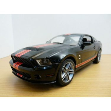 FORD MUSTANG  GTRS SHELBY GT500  au volant
